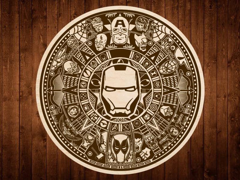 Календарь Marvel гравировка на фанере