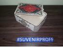 Узорная коробка с гибкими стенками 20*15*7 см серебро с красным