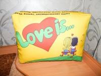 """Подушка с фотопечатью 30*40*15 см, """"Love is"""", габардин, микропух"""