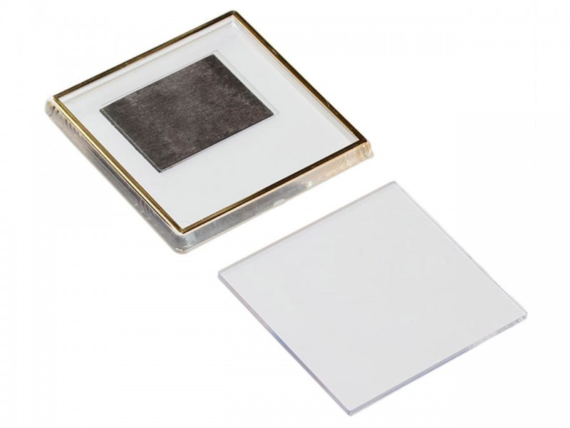 Акриловый магнит 65x65 прозрачный с золотым тиснением