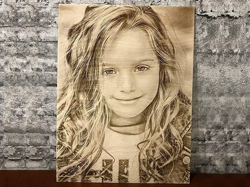 Гравировка портрета на фанере