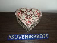 Коробочка в виде сердца из фанеры 3 мм со стразами