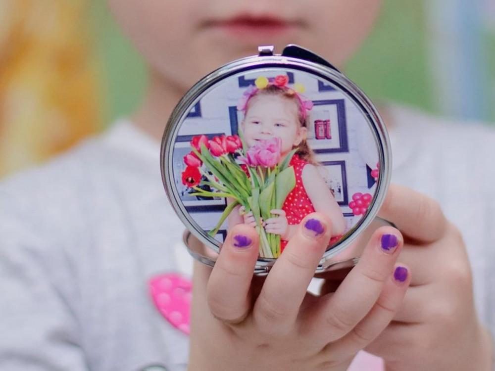 Макияжное зеркальце круглое